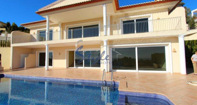 Luxury villa with private pool for sale in Moraira 276-1