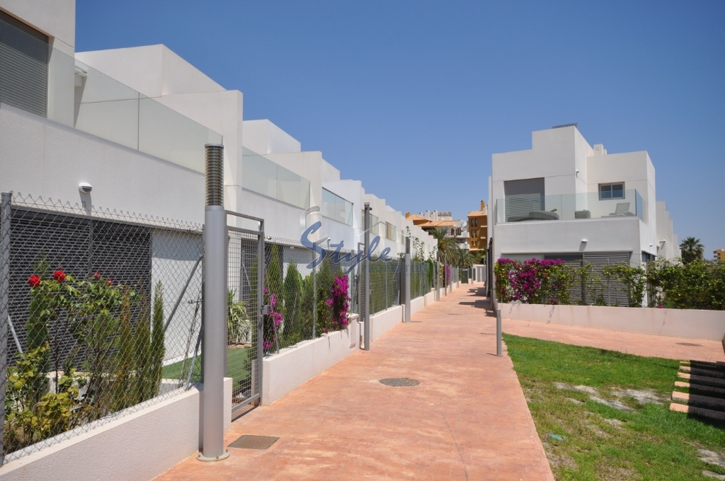 Rent in Punta Prima, Costa Blanca, Spain